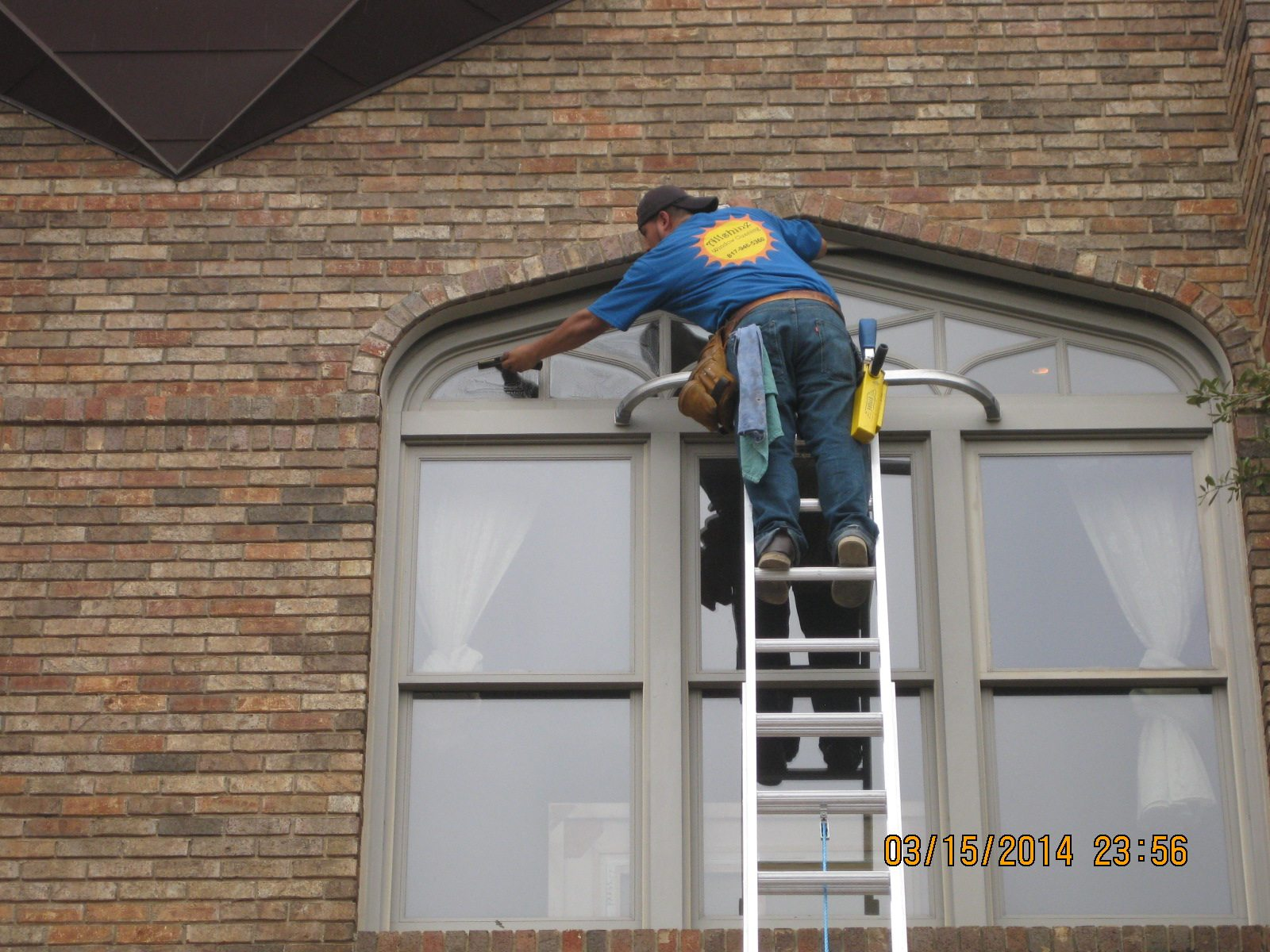 Residential window cleaning westlake tx for Window washing